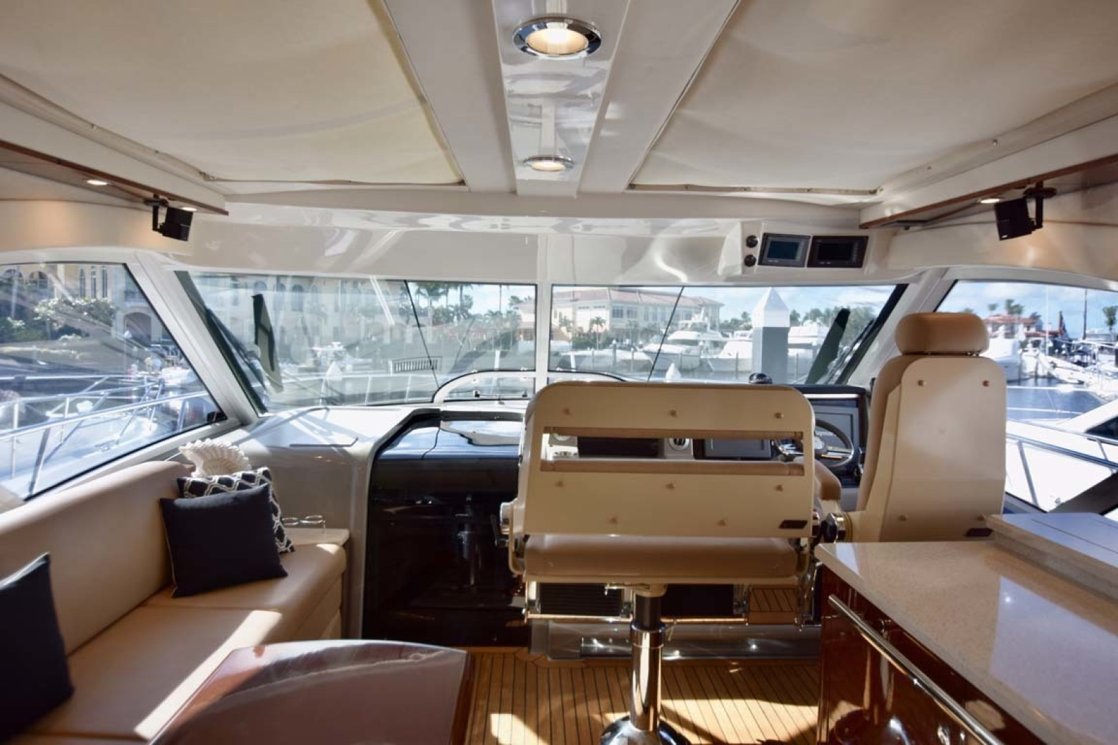 Sea Ray-Sundancer 610 2012-SON RYS Fort Myers-Florida-United States-Sun Shades Above Upper Salon-1298433 | Thumbnail