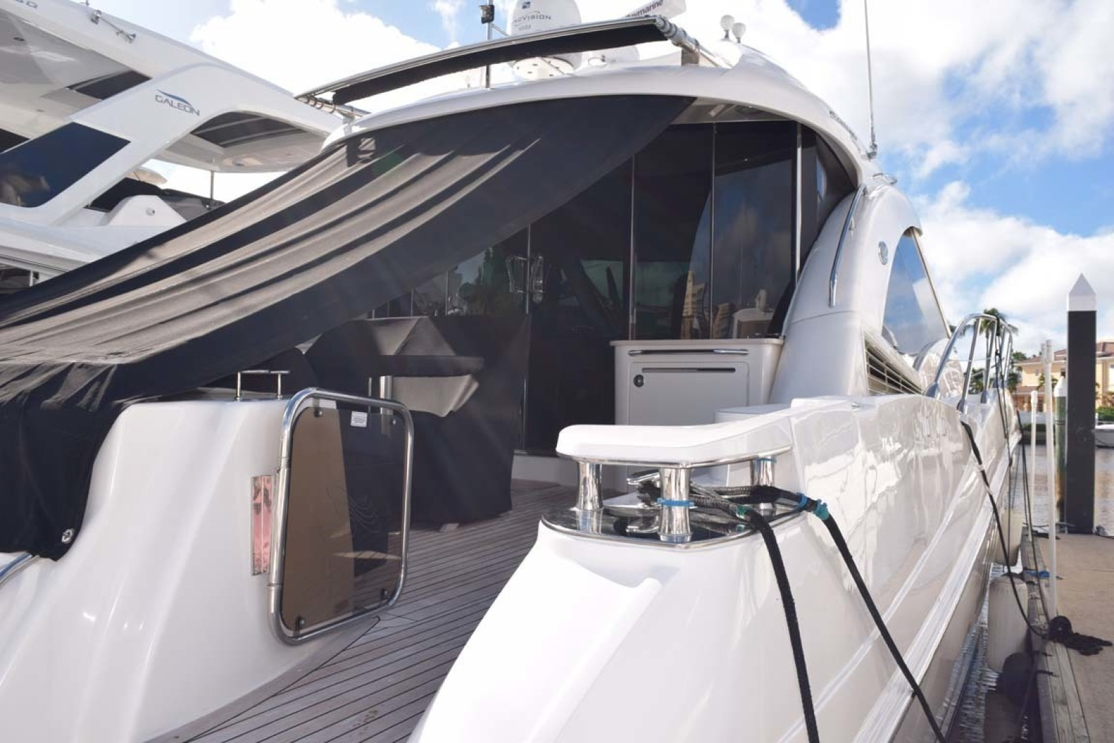 Sea Ray-Sundancer 610 2012-SON RYS Fort Myers-Florida-United States-View From Dock Aft And STBD Side-1298499 | Thumbnail