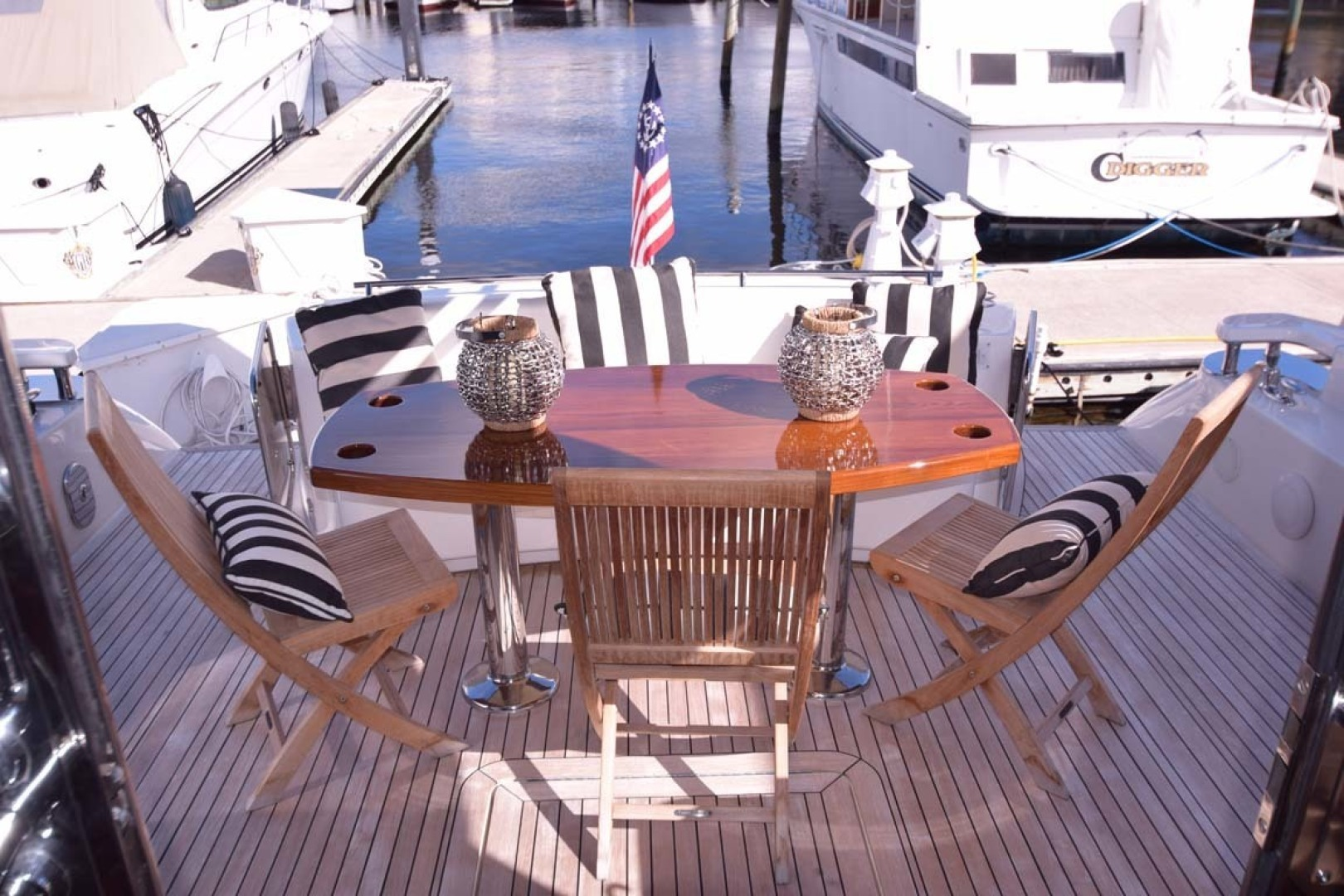 Sea Ray-Sundancer 610 2012-SON RYS Fort Myers-Florida-United States-Aft Deck Seating-1298492 | Thumbnail