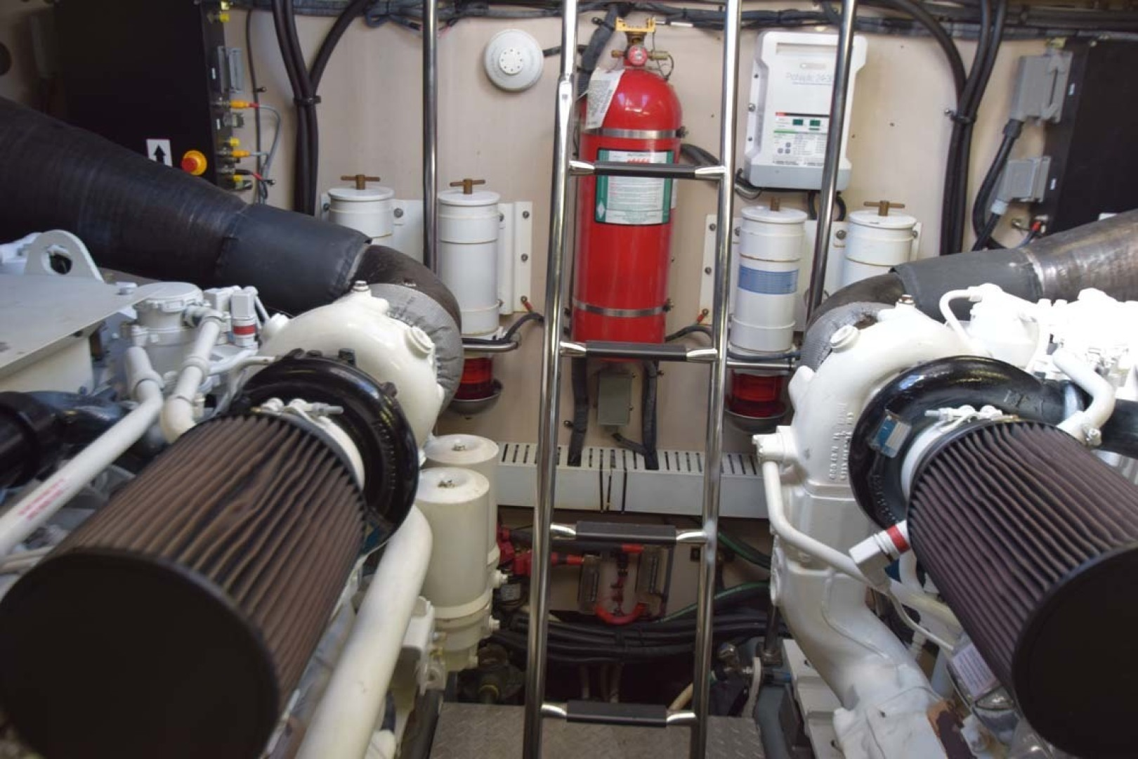Sea Ray-Sundancer 610 2012-SON RYS Fort Myers-Florida-United States-Engine Room Towards Mid Ship-1298504 | Thumbnail