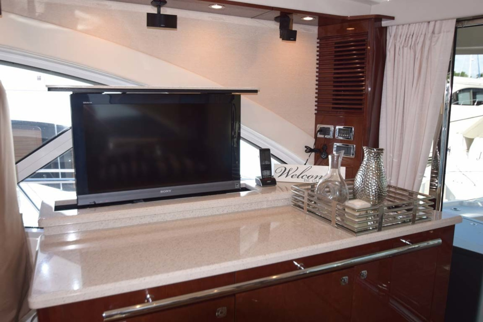 Sea Ray-Sundancer 610 2012-SON RYS Fort Myers-Florida-United States-Pop Up TV Out-1298437 | Thumbnail