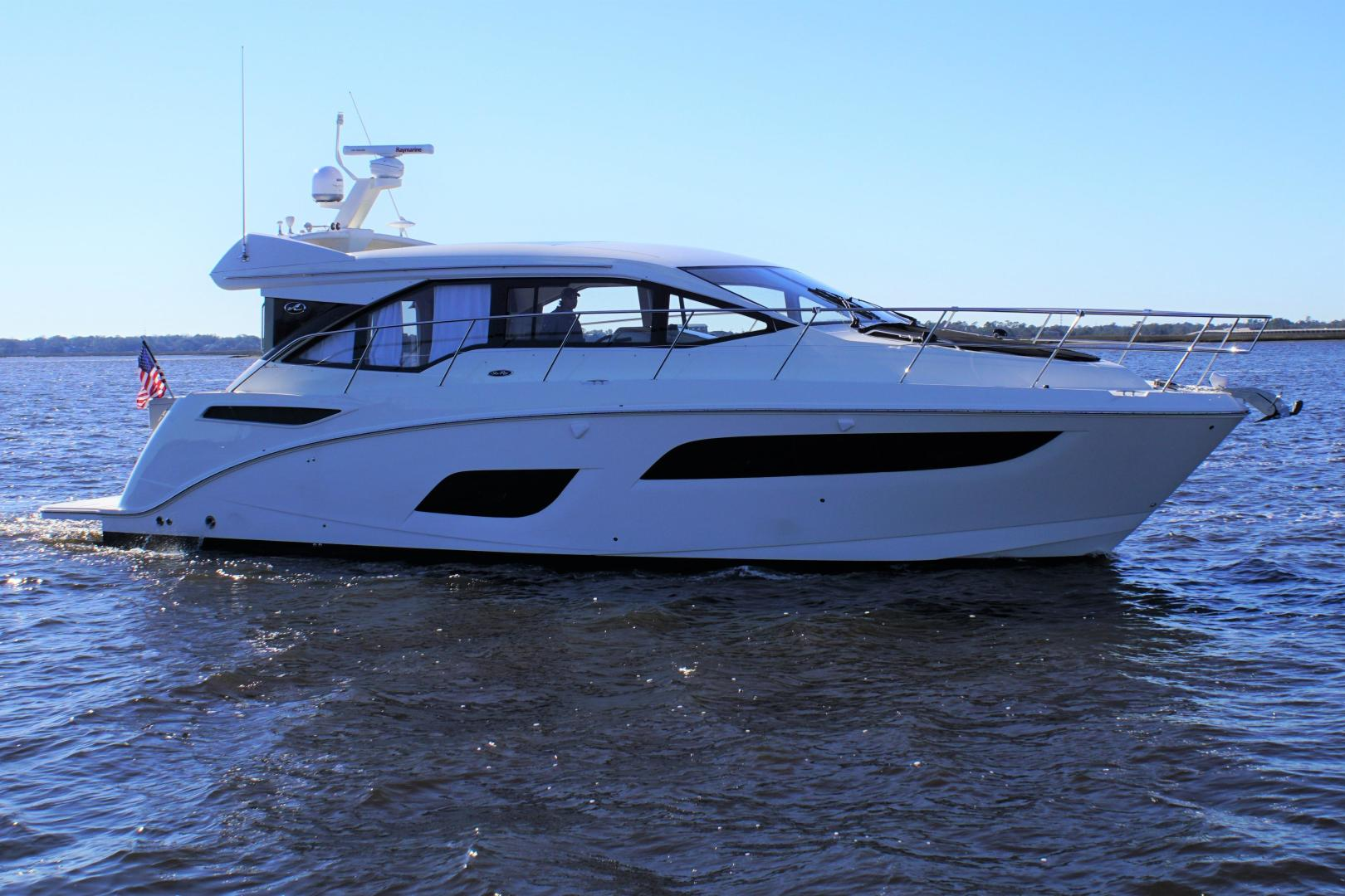 Picture Of: 46' Sea Ray 460 Sundancer 2019 Yacht For Sale | 2 of 39
