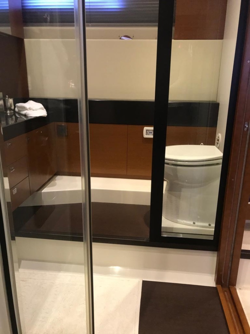 Prestige-550 2015-Higher Powered II Palm Coast-Florida-United States-Master Head and Shower-1300847 | Thumbnail