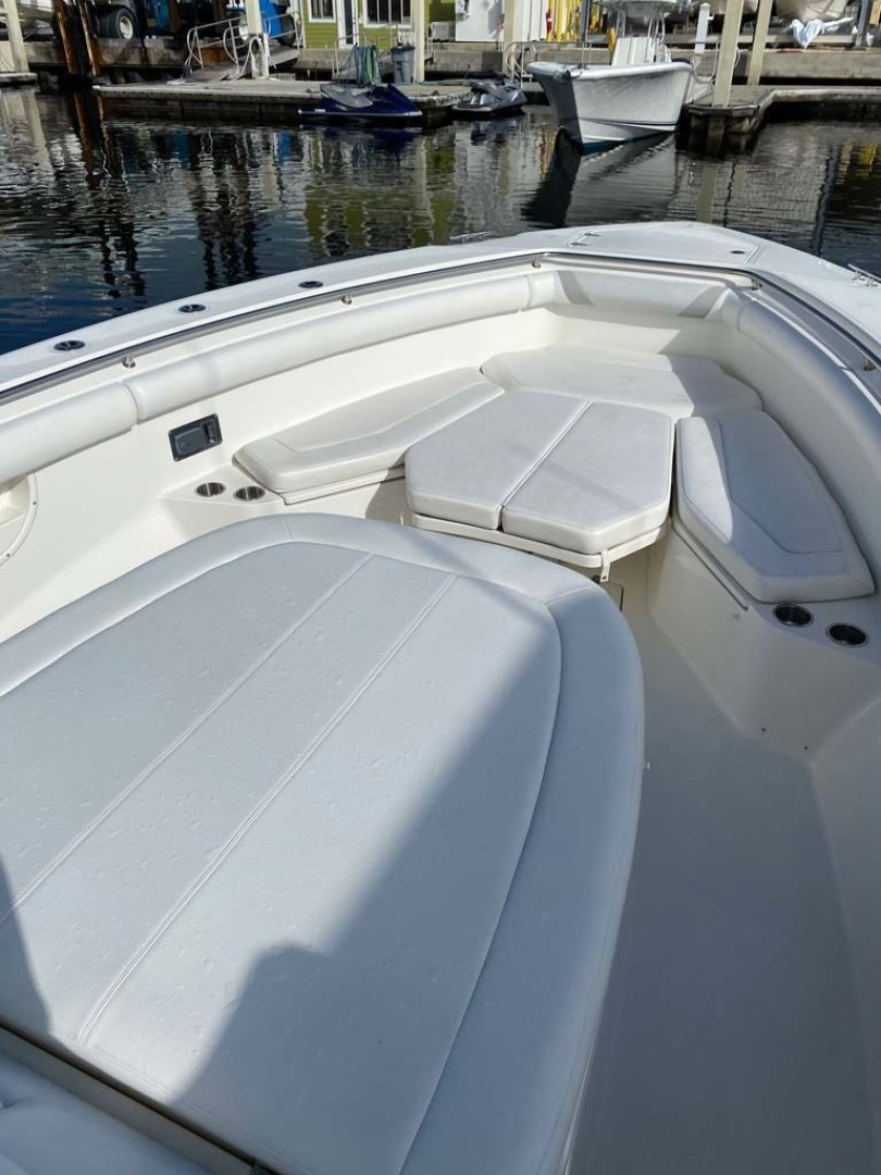 Boston Whaler-370 Outrage 2015-Reel Equity Fort Lauderdale-Florida-United States-Bow Seating And Storage-1301992 | Thumbnail