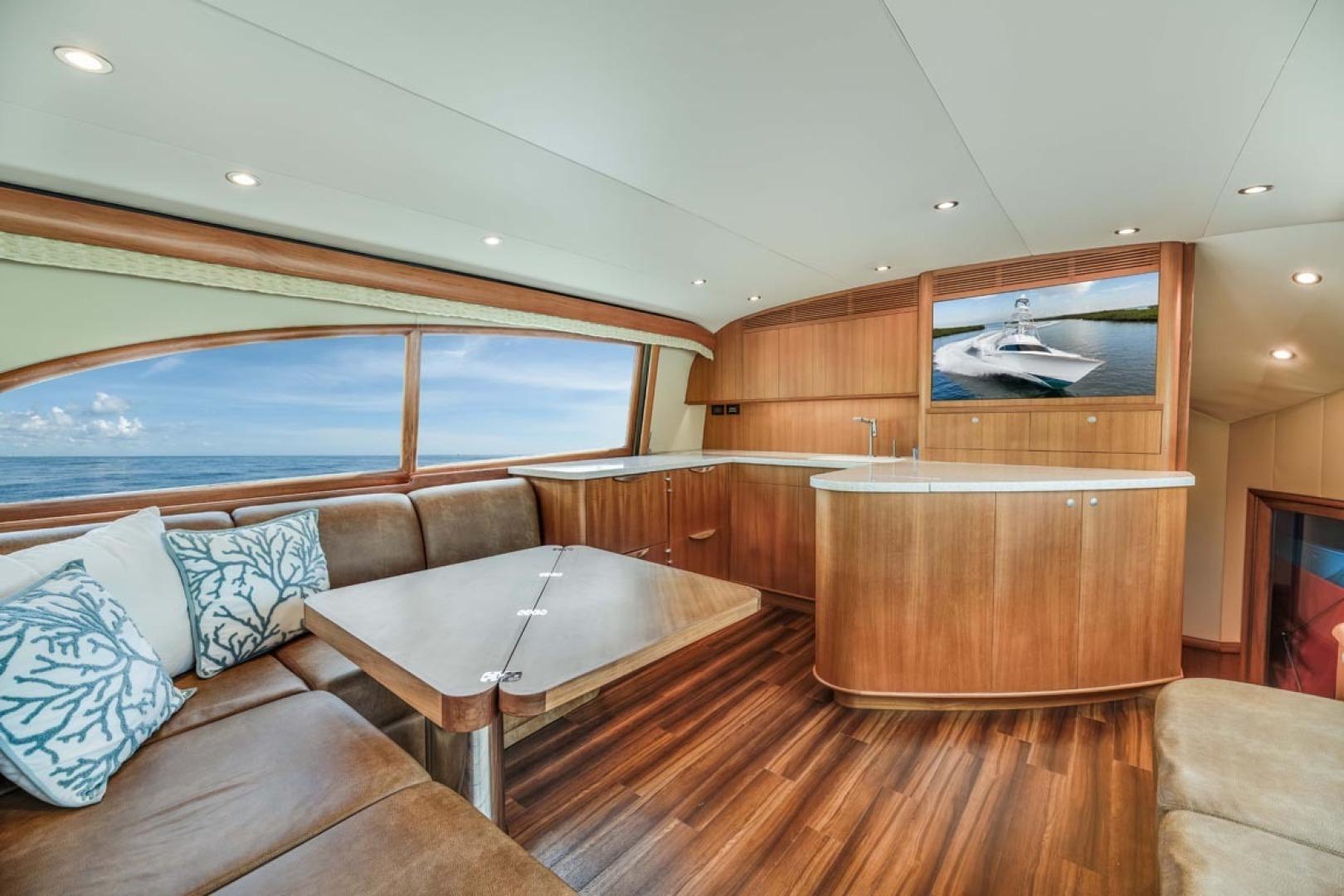 F&S-Custom Carolina with Seakeepers 2013-Epiphany Key Largo-Florida-United States-Salon Port Forward-1447403 | Thumbnail