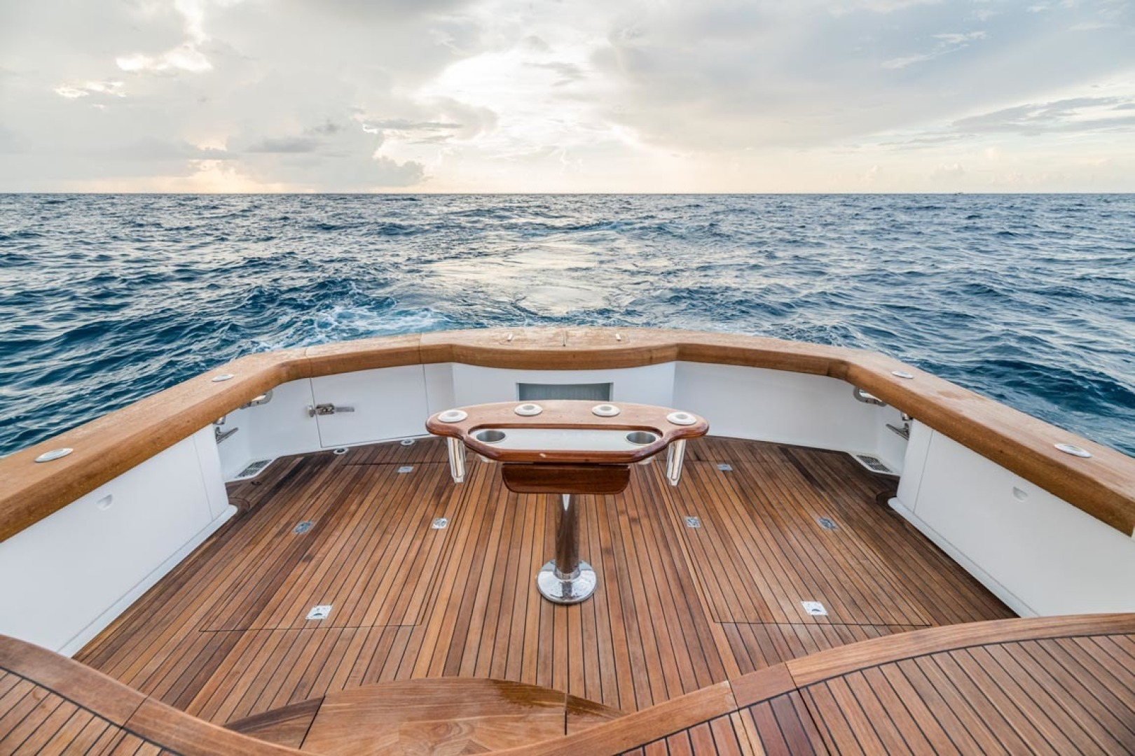F&S-Custom Carolina with Seakeepers 2013-Epiphany Key Largo-Florida-United States-Cockpit-1447464 | Thumbnail
