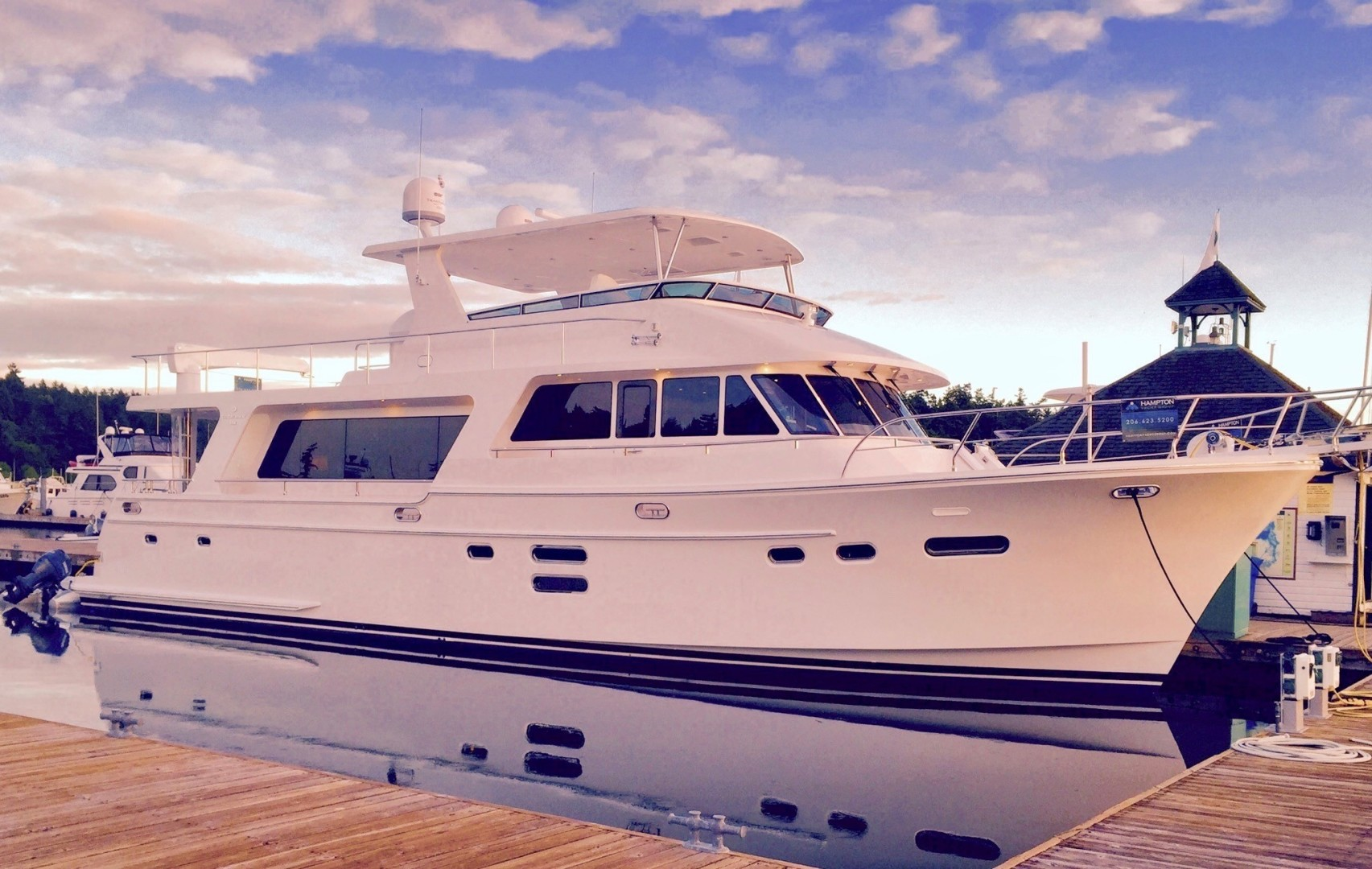 Picture Of: 65' Hampton 658 Endurance 2015 Yacht For Sale | 1 of 1