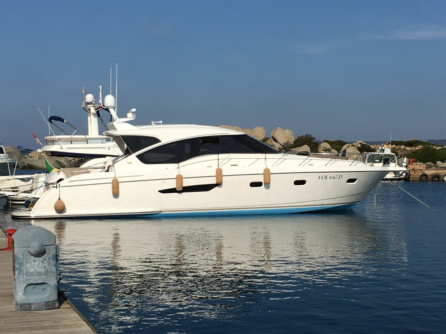 Picture Of: 60' Tiara 5800 Sovran 2008 Yacht For Sale | 1 of 24