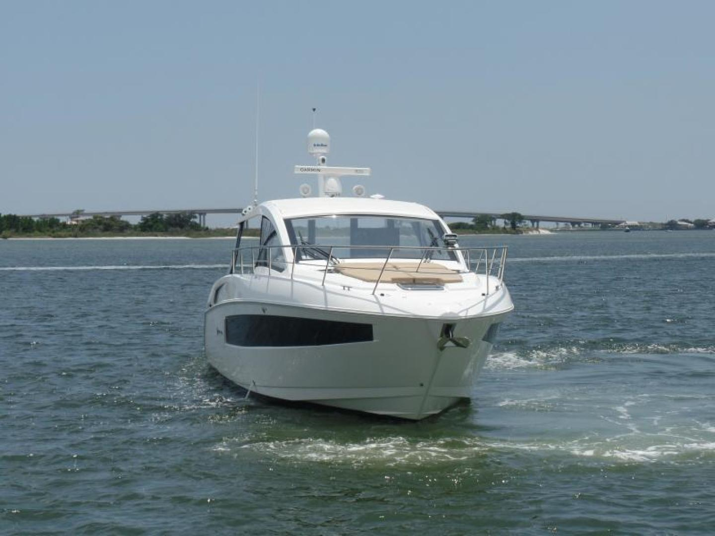 Cruisers-39 Express Coupe 2015-Tranquila Palm Beach-Florida-United States-39 Cruisers Starboard bow-1408623 | Thumbnail