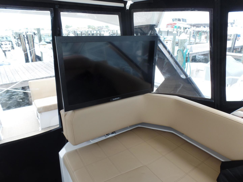 Cruisers-39 Express Coupe 2015-Tranquila Palm Beach-Florida-United States-2015 Cruisers 39 EC  Cockpit-1307918 | Thumbnail