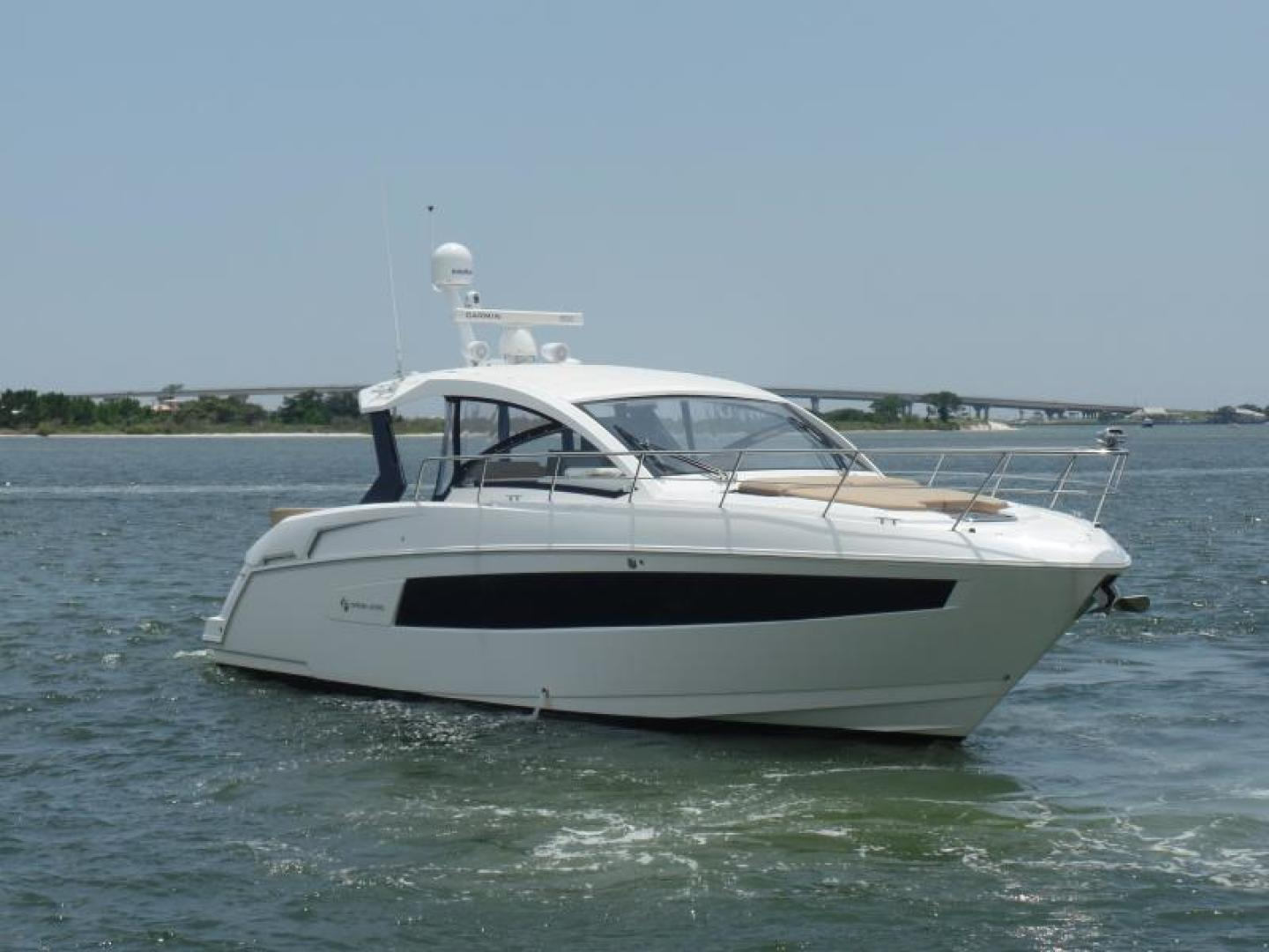 Cruisers-39 Express Coupe 2015-Tranquila Palm Beach-Florida-United States-39 Cruisers Starboard bow-1408620 | Thumbnail