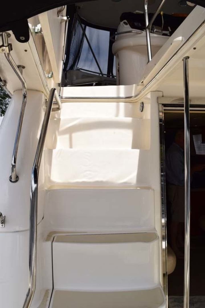 Sea Ray-480 Sedan Bridge 2003-Moondance Stuart-Florida-United States-Steps To Flybridge-1308096 | Thumbnail