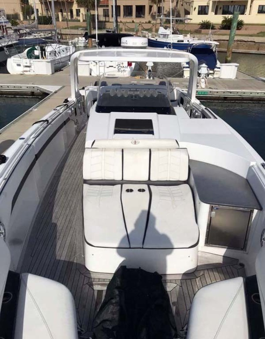 Cigarette-42 Huntress 2012-T/T Checkmate Saint Augustine-Florida-United States-Center Console Seat-1308790 | Thumbnail