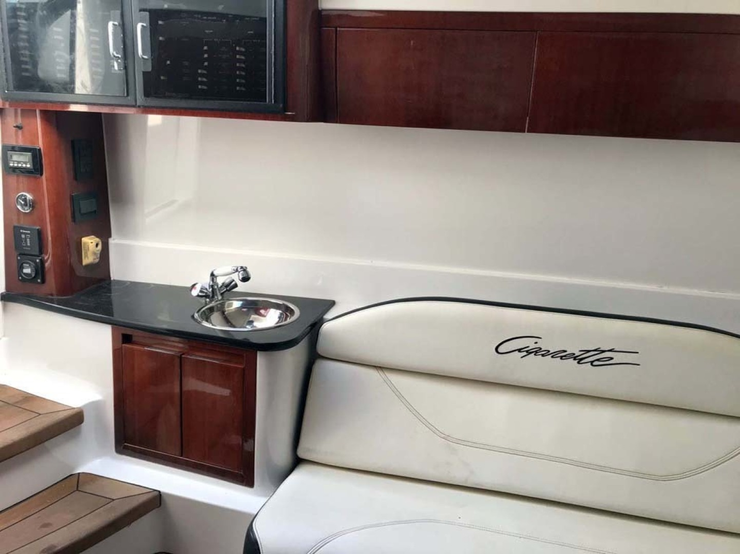 Cigarette-42 Huntress 2012-T/T Checkmate Saint Augustine-Florida-United States-Salon-1308793 | Thumbnail