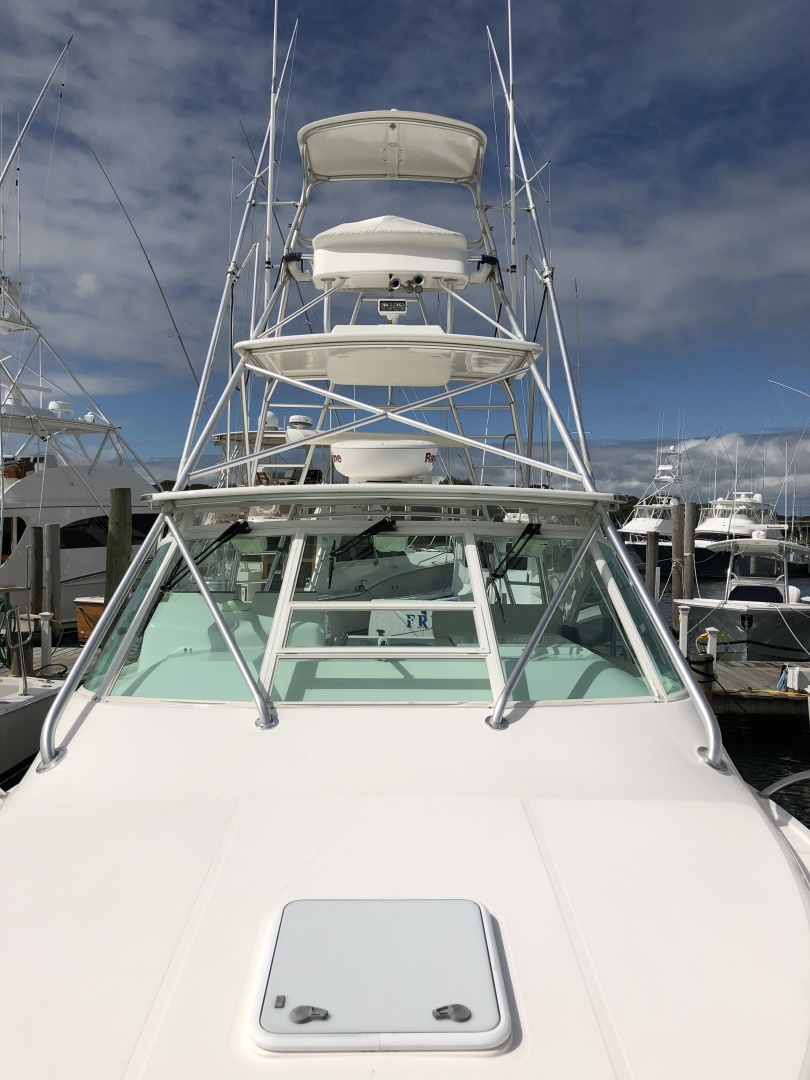 Cabo-35 Express 2003-Baby G Southampton-New York-United States-Foredeck-1309142 | Thumbnail