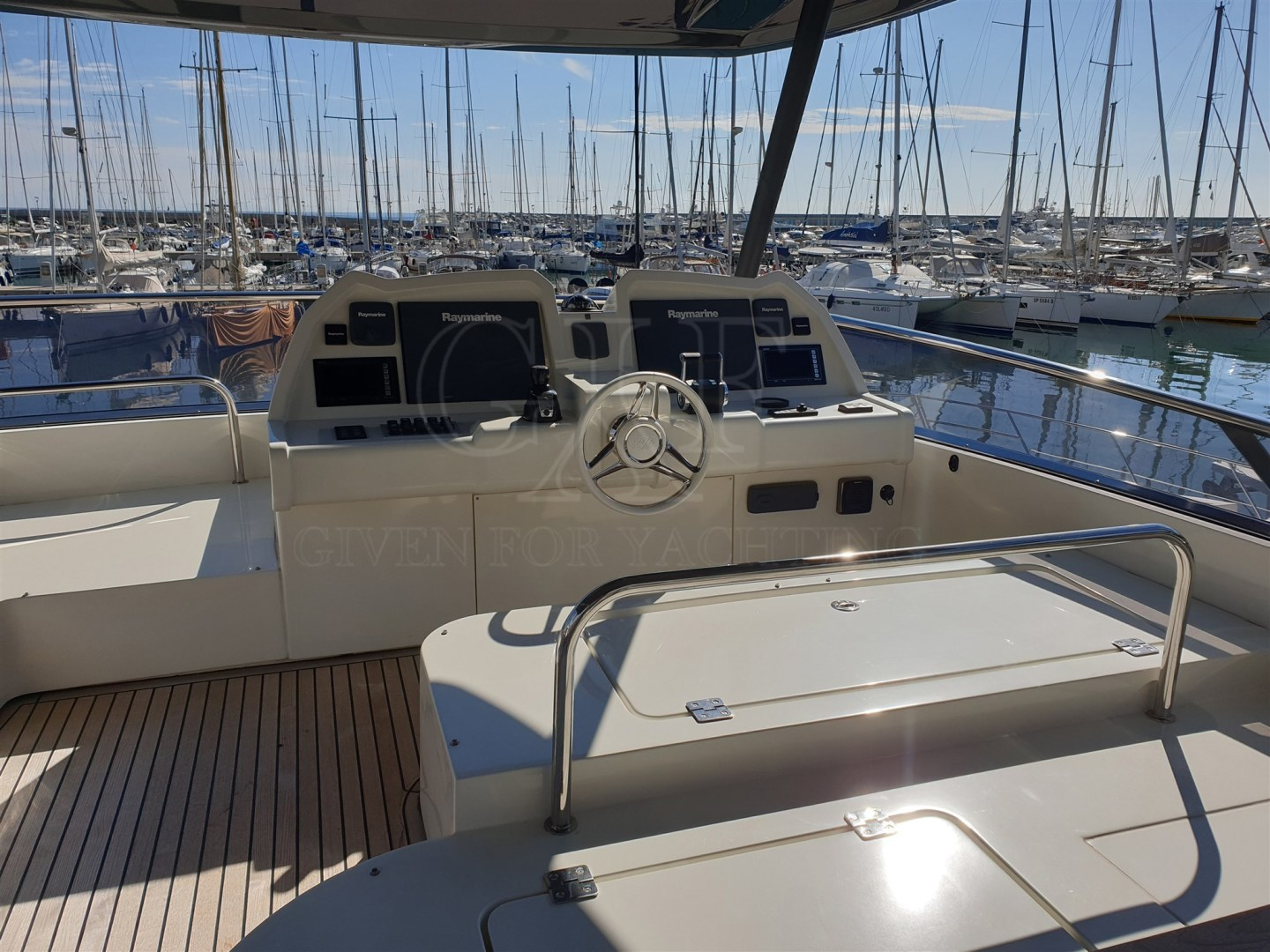 Monte Carlo-MCY 65 2016-EXCALIBUR Varazze-Italy-MCY 65, Helm Station-1309574   Thumbnail