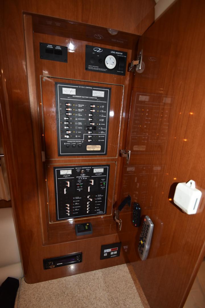 Regal-3560 Commodore IO 2005-Ten Fold Hampton-Virginia-United States-1312435   Thumbnail