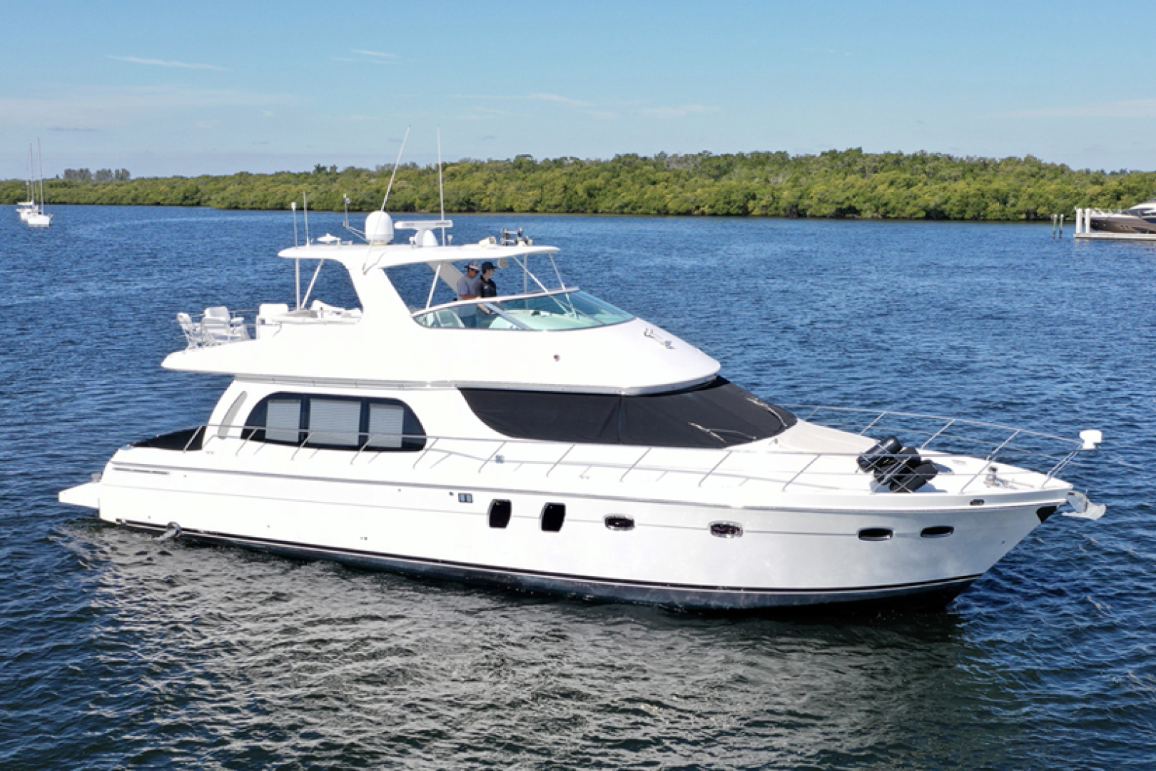 Picture Of: 56' Carver 56 Voyager 2007 Yacht For Sale | 1 of 62