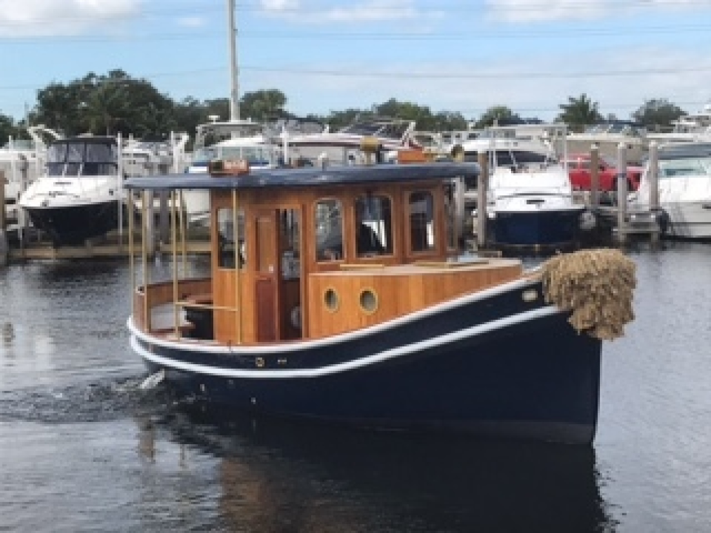 Crosby-Tug 1992 -Fort Lauderdale-Florida-United States-1314273 | Thumbnail