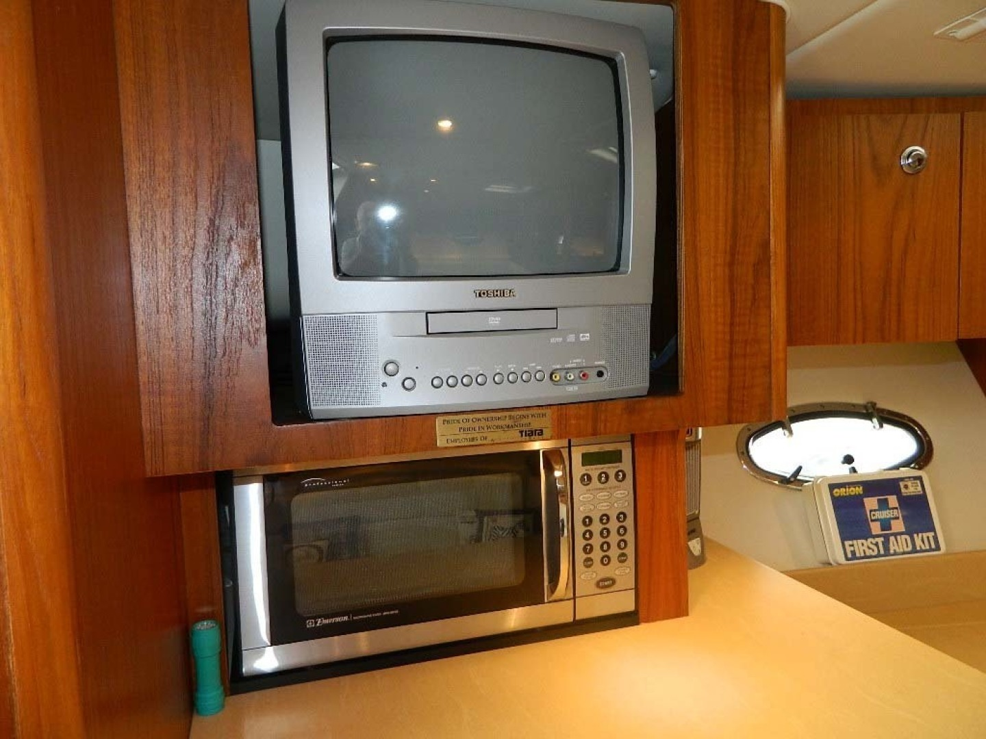 Tiara-Open 2004-Door Knock II Hobe Sound-Florida-United States-TV and Microwave-1315546 | Thumbnail