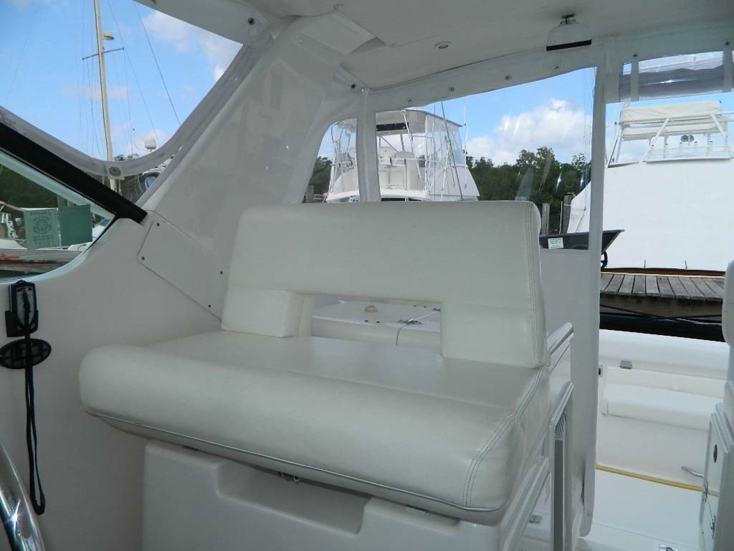 Tiara-Open 2004-Door Knock II Hobe Sound-Florida-United States-Helm Seat-1315530 | Thumbnail