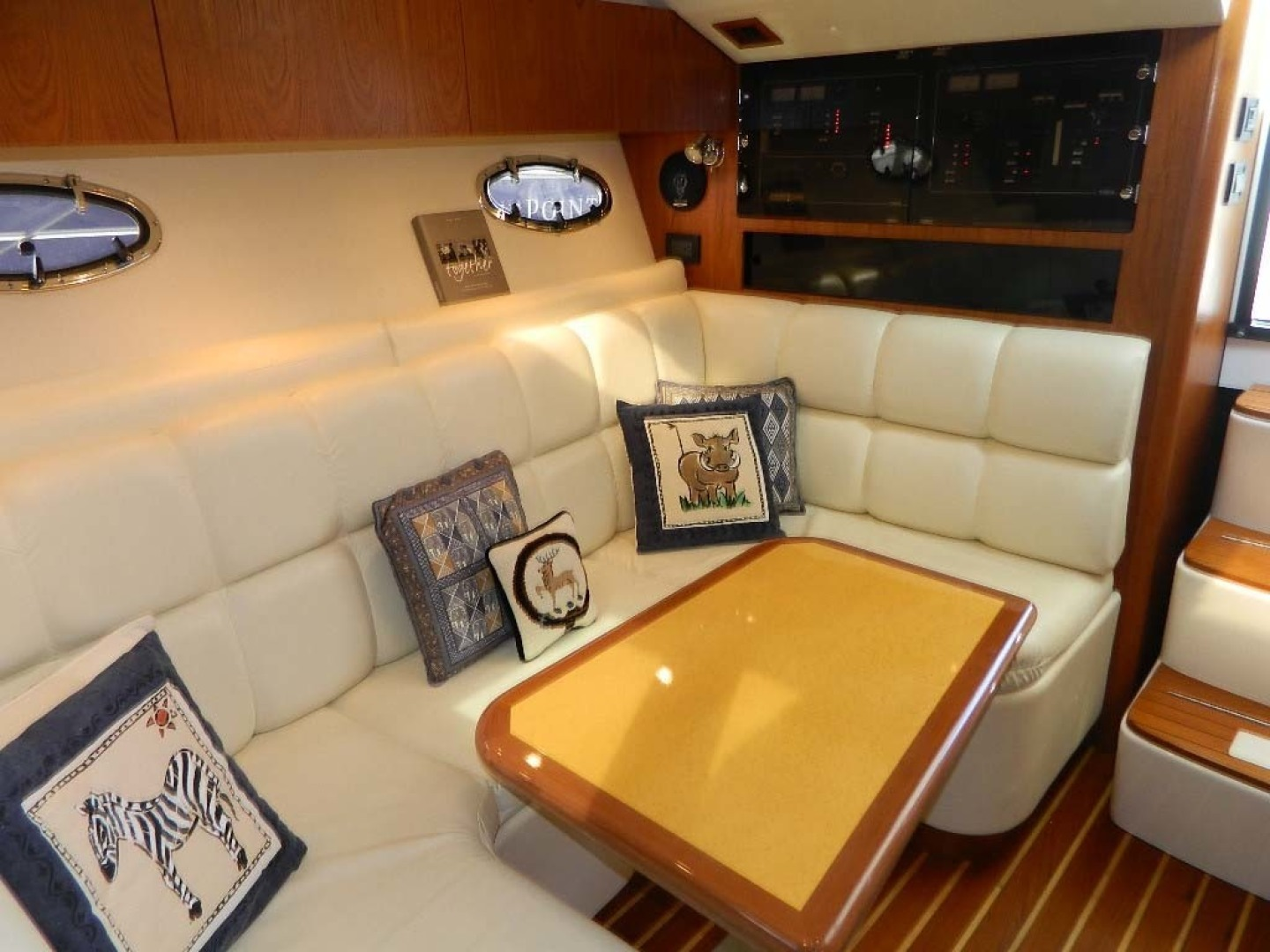 Tiara-Open 2004-Door Knock II Hobe Sound-Florida-United States-Salon L-Lounge And Table Aft View-1315539 | Thumbnail