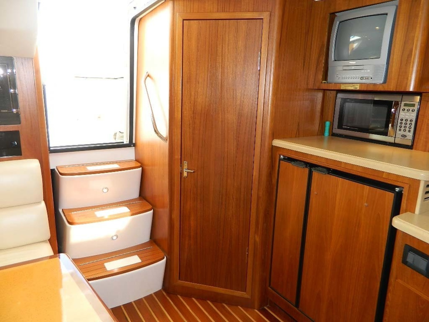 Tiara-Open 2004-Door Knock II Hobe Sound-Florida-United States-Galley and Door To Head-1315540 | Thumbnail