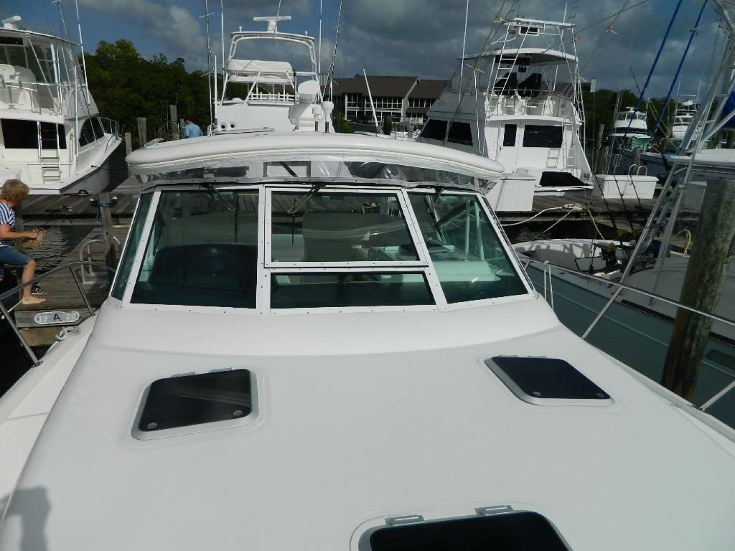 Tiara-Open 2004-Door Knock II Hobe Sound-Florida-United States-Foredeck to Aft-1315516 | Thumbnail