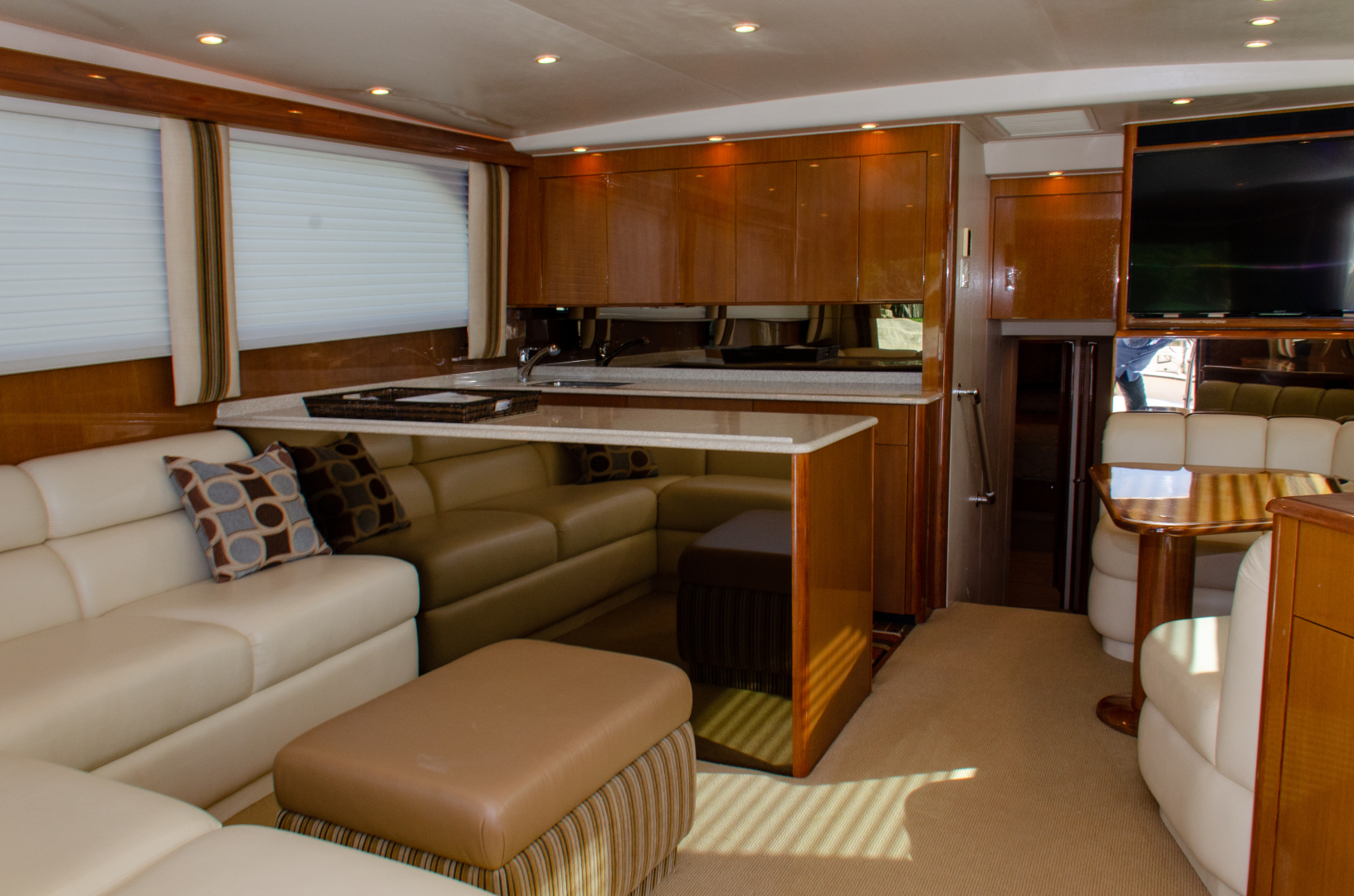 Picture Of: 52' Viking 52 Convertible 2005 Yacht For Sale | 2 of 62