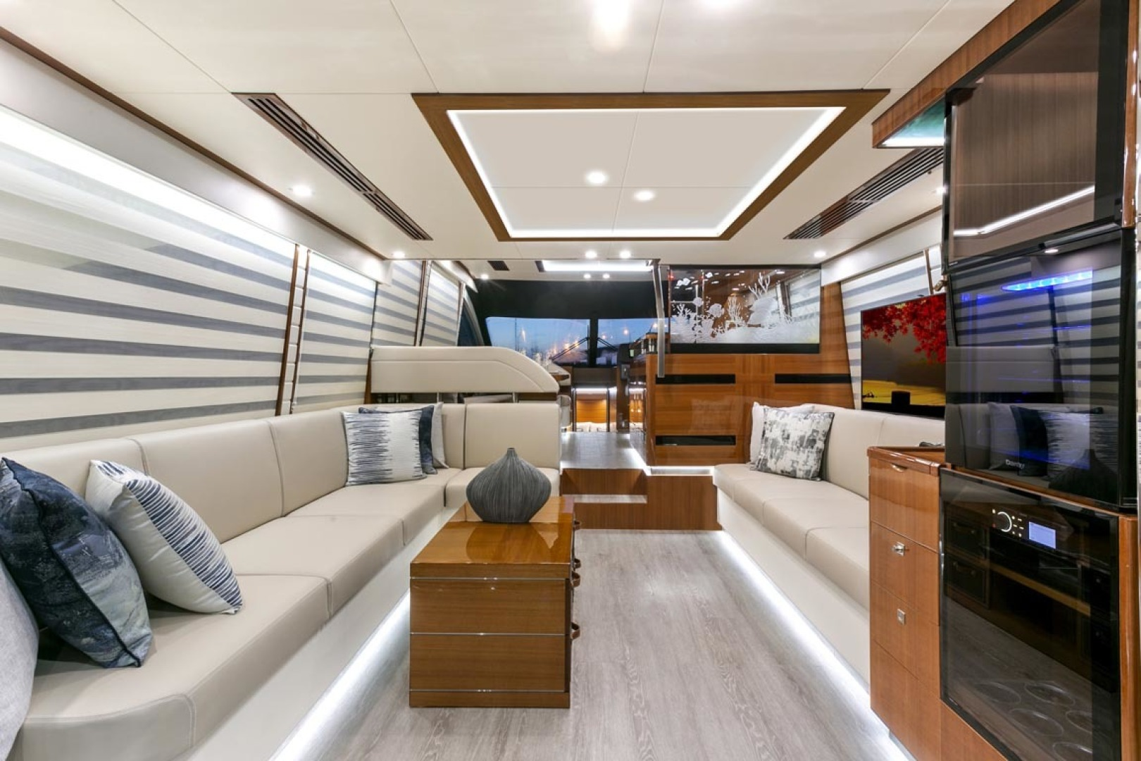 Dyna Yachts-63 2020 -Jupiter-Florida-United States-Main Salon-1460385 | Thumbnail