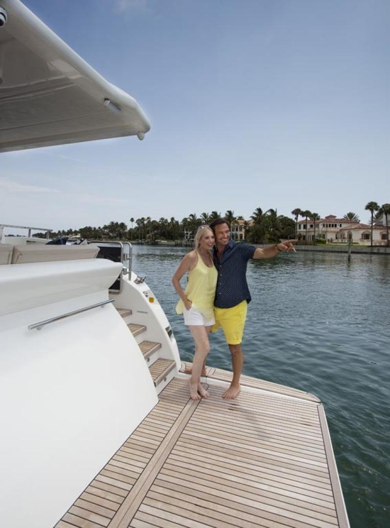 Dyna Yachts-63 2020 -Jupiter-Florida-United States-Hydraulic Platform-1460384 | Thumbnail