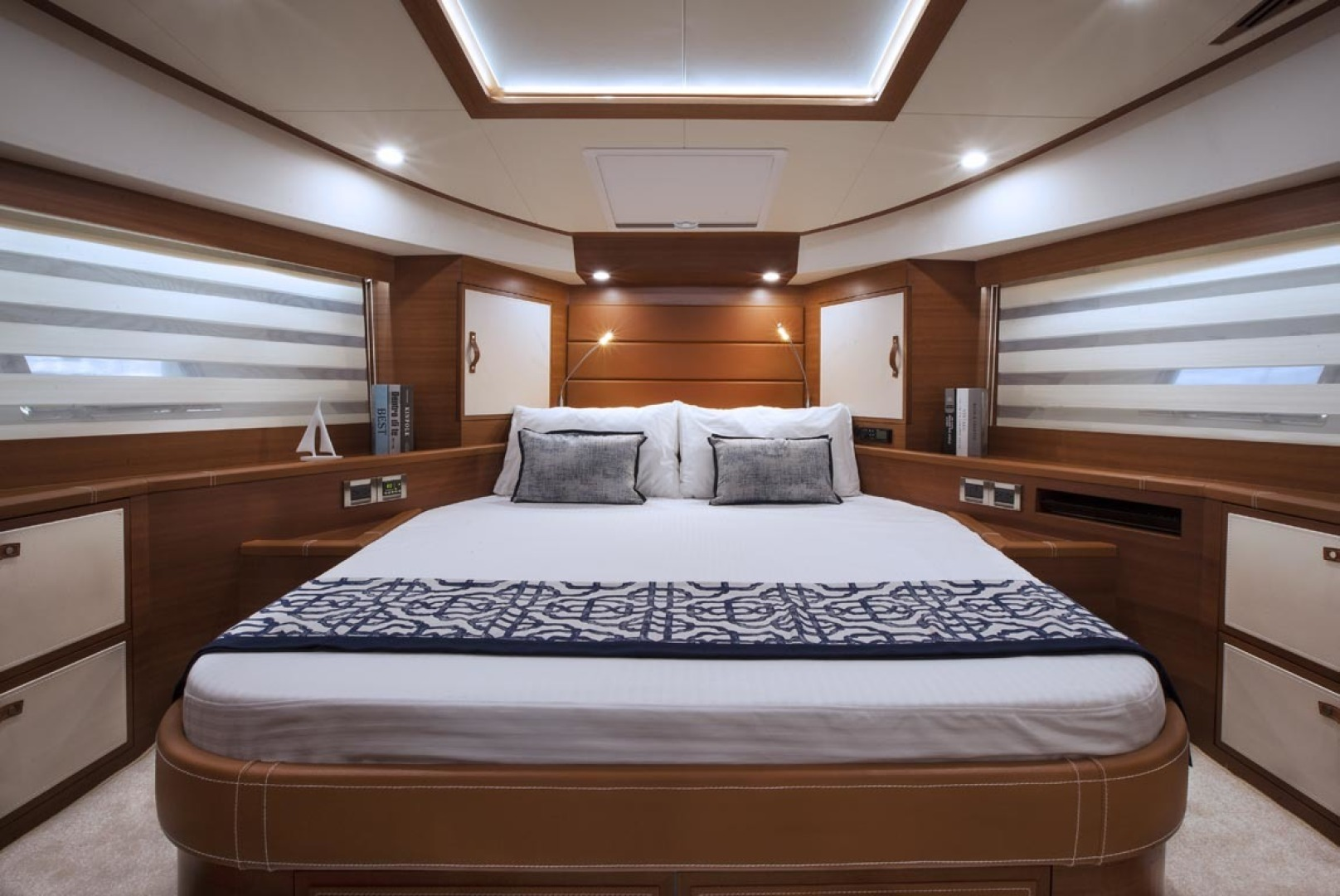 Dyna Yachts-63 2020 -Jupiter-Florida-United States-VIP-1460397 | Thumbnail