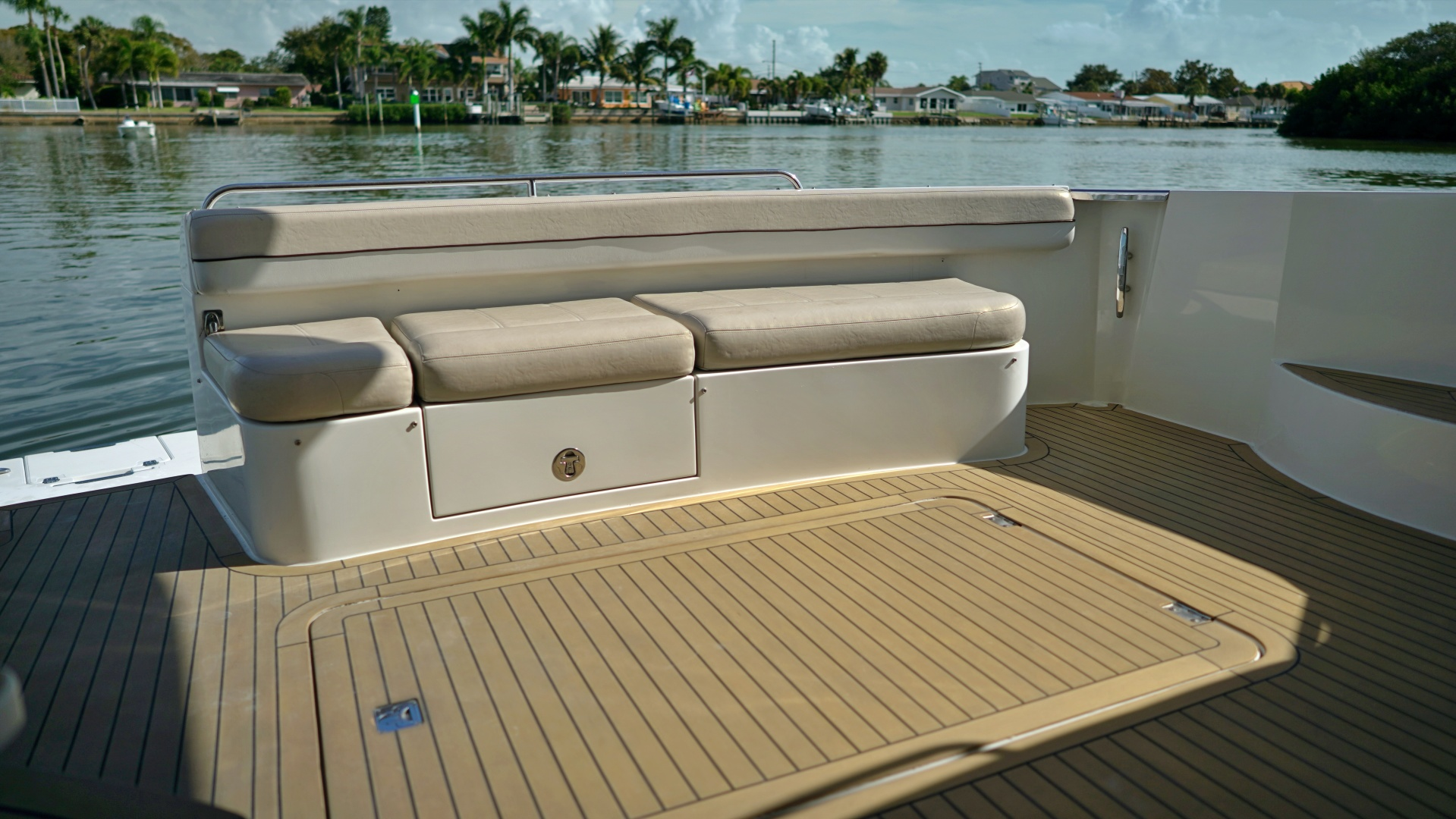 Picture Of: 56' Carver 560 Voyager 2008 Yacht For Sale | 2 of 49