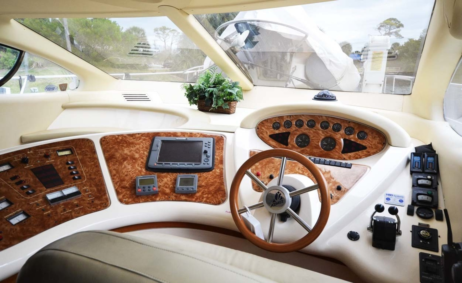 Azimut-46 Motor Yacht 2003-ChrAmy Melbourne-Florida-United States-Engine Gauges And Electronics-1318886 | Thumbnail