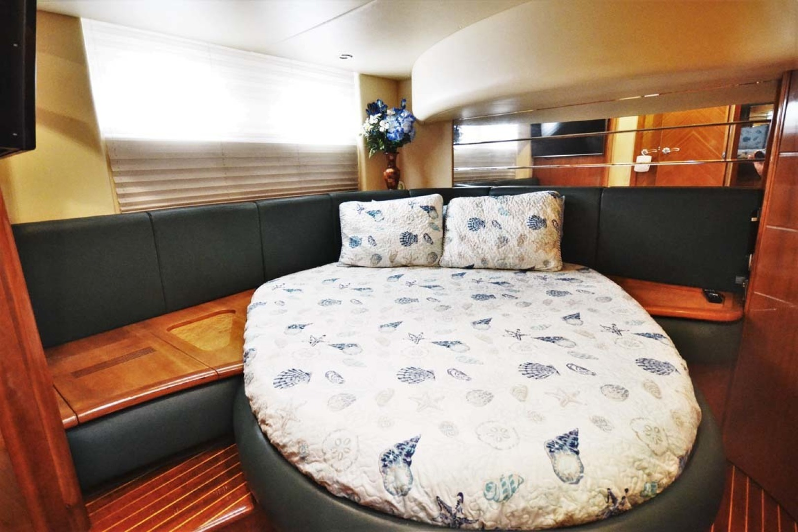 Azimut-46 Motor Yacht 2003-ChrAmy Melbourne-Florida-United States-VIP Stateroom-1318897 | Thumbnail