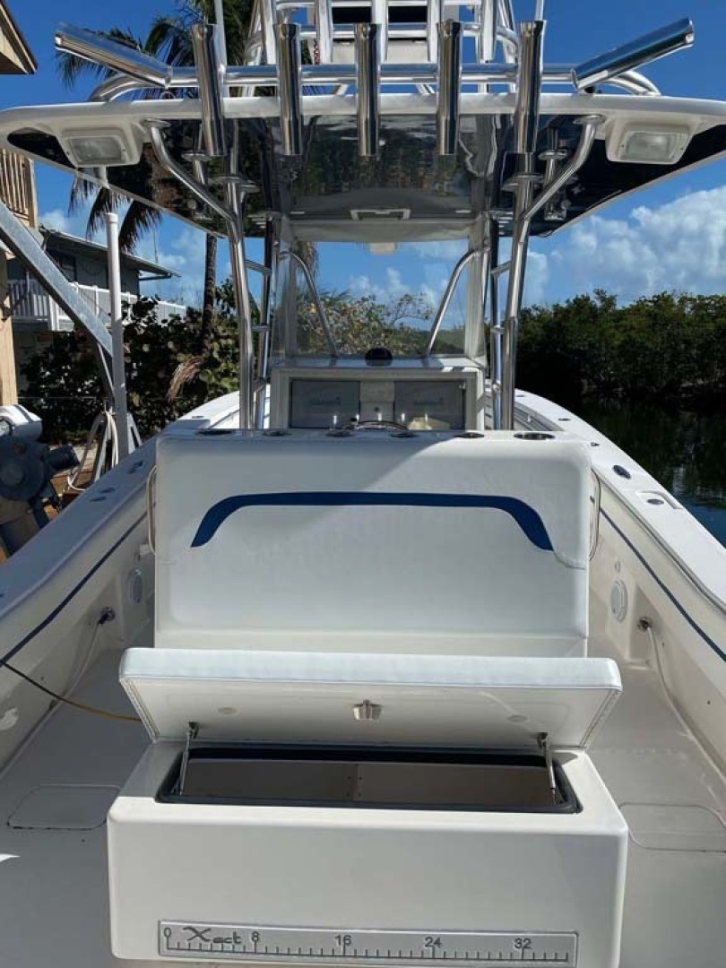 Invincible-Center Console 2009 -Key largo-Florida-United States-Fish Box And Rod Holders-1319600 | Thumbnail