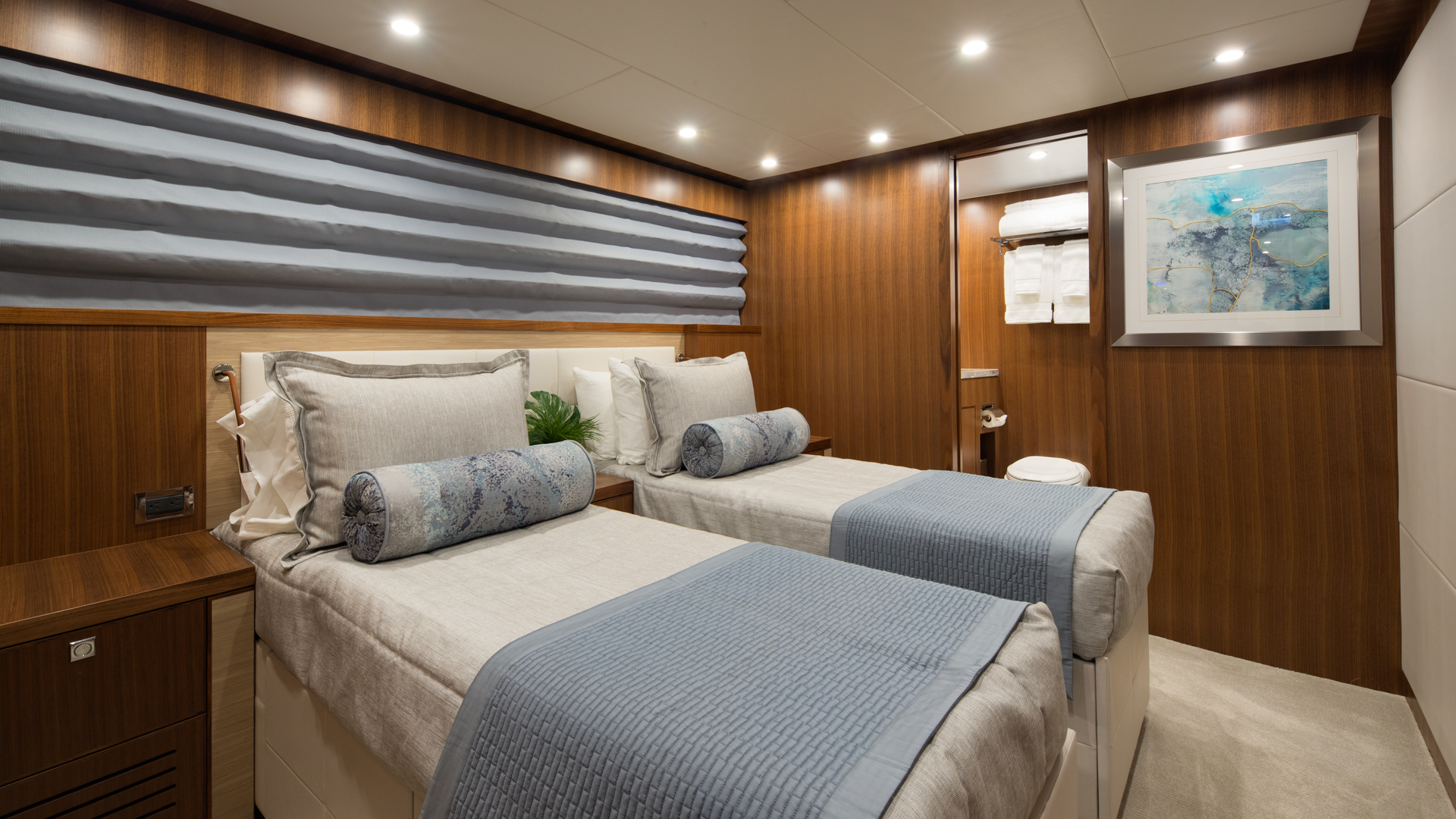 IRRESISTIBLE 105ft Hargrave Yacht For Sale