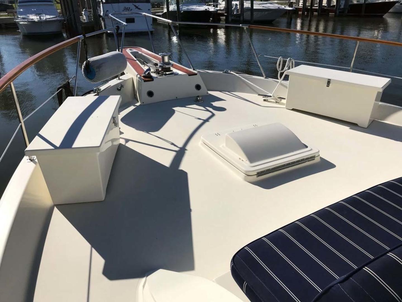 Hatteras-53 Classic Motor Yacht 1984 -Jensen Beach-Florida-United States-Foredeck-1321240 | Thumbnail