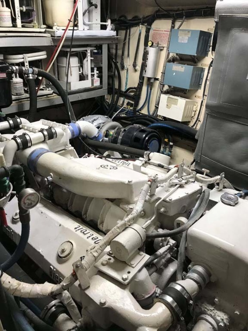 Hatteras-53 Classic Motor Yacht 1984 -Jensen Beach-Florida-United States-Engine Room-1321253 | Thumbnail
