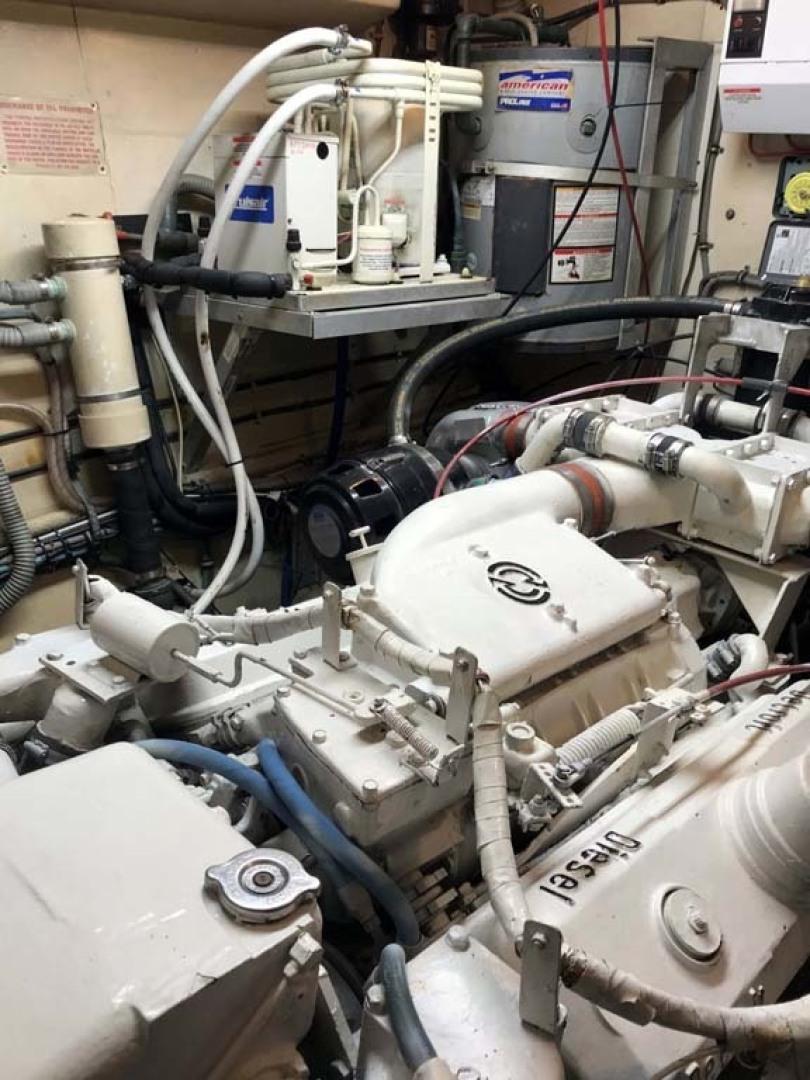 Hatteras-53 Classic Motor Yacht 1984 -Jensen Beach-Florida-United States-Engine Room-1321254 | Thumbnail