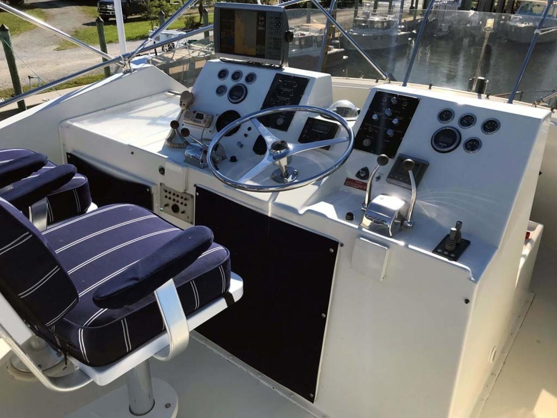 Hatteras-53 Classic Motor Yacht 1984 -Jensen Beach-Florida-United States-Bridge Helm-1321249 | Thumbnail
