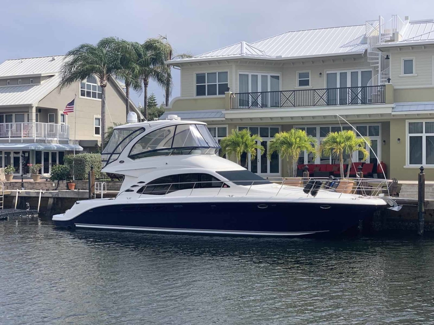Picture Of: 52' Sea Ray Sedan Bridge 2005 Yacht For Sale | 1 of 45