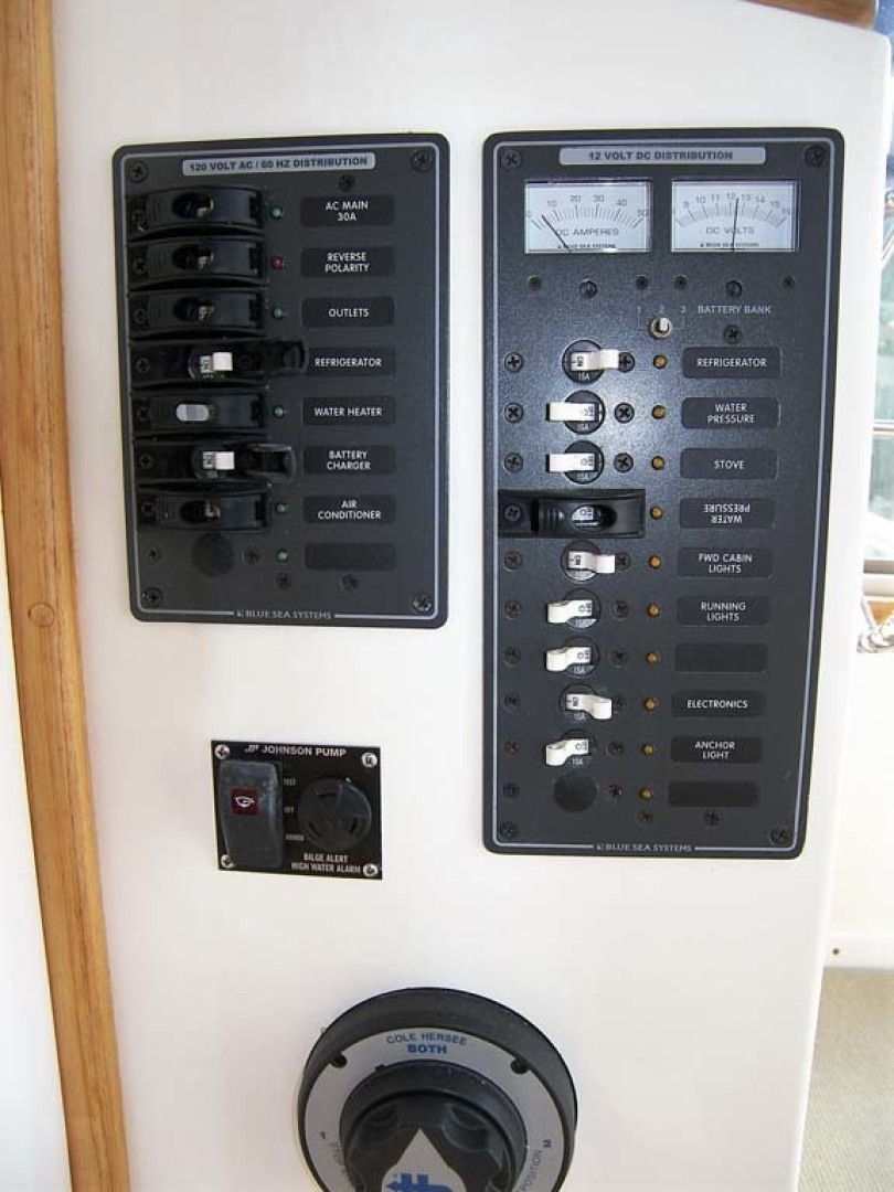 Crowley-Beal-33 2004-From Away Osprey-Florida-United States-Main Electrical Panels-1322369 | Thumbnail
