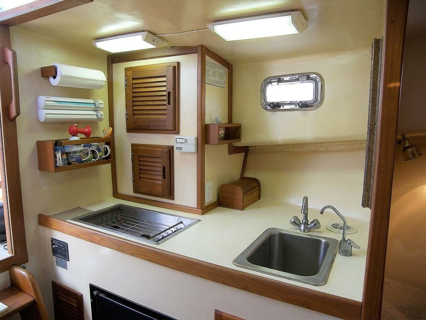 Crowley-Beal-33 2004-From Away Osprey-Florida-United States-Galley Area-1322362 | Thumbnail