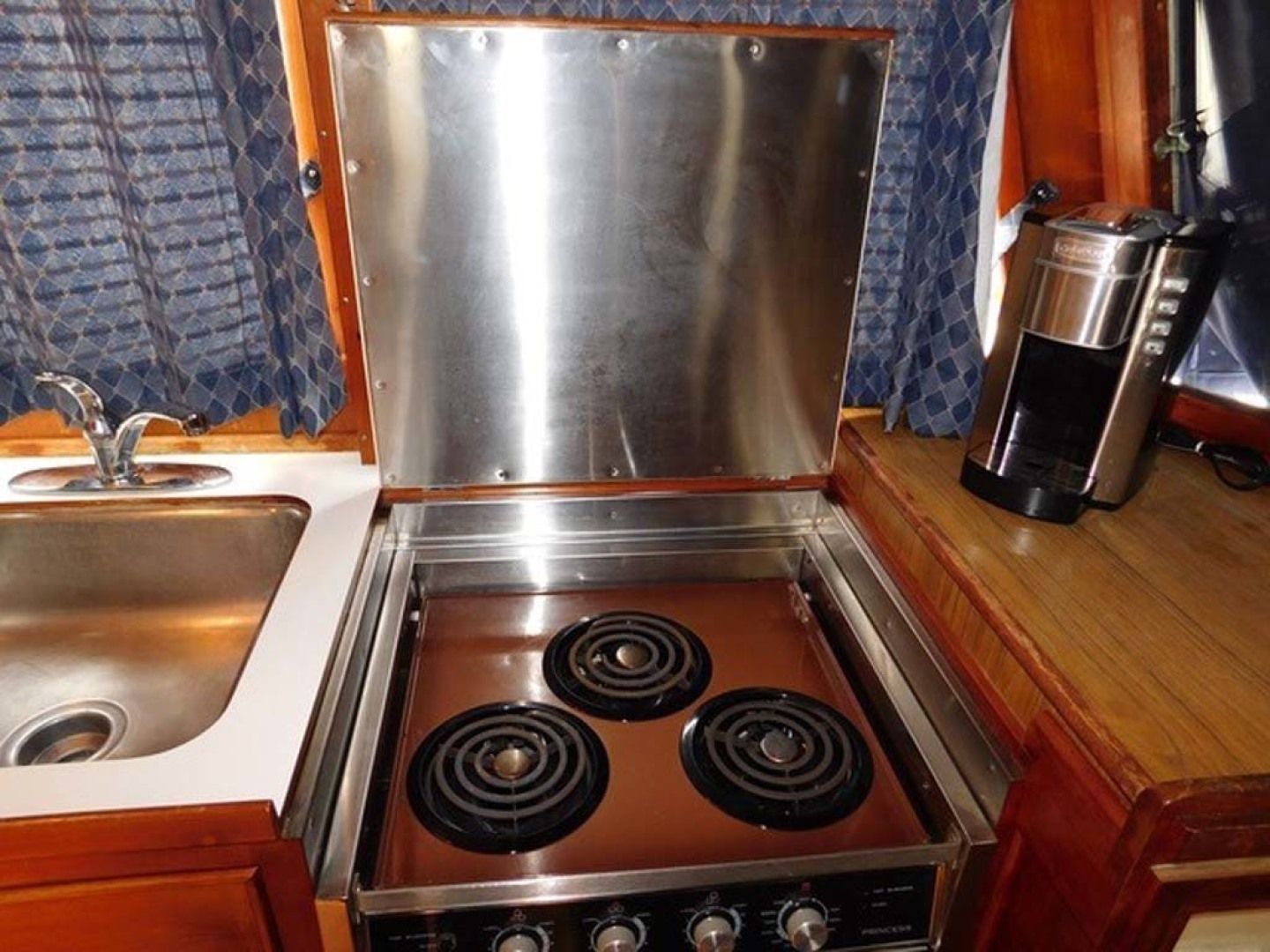 Grand Banks-42 Classic 1990-Stina Marie Merritt Island-Florida-United States-Galley Princess Stove & Oven-1323225 | Thumbnail