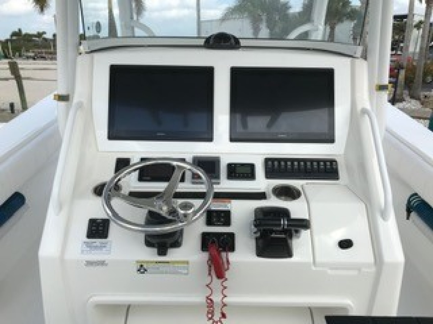 Picture Of: 34' Regulator 34CC 2013 Yacht For Sale | 2 of 15