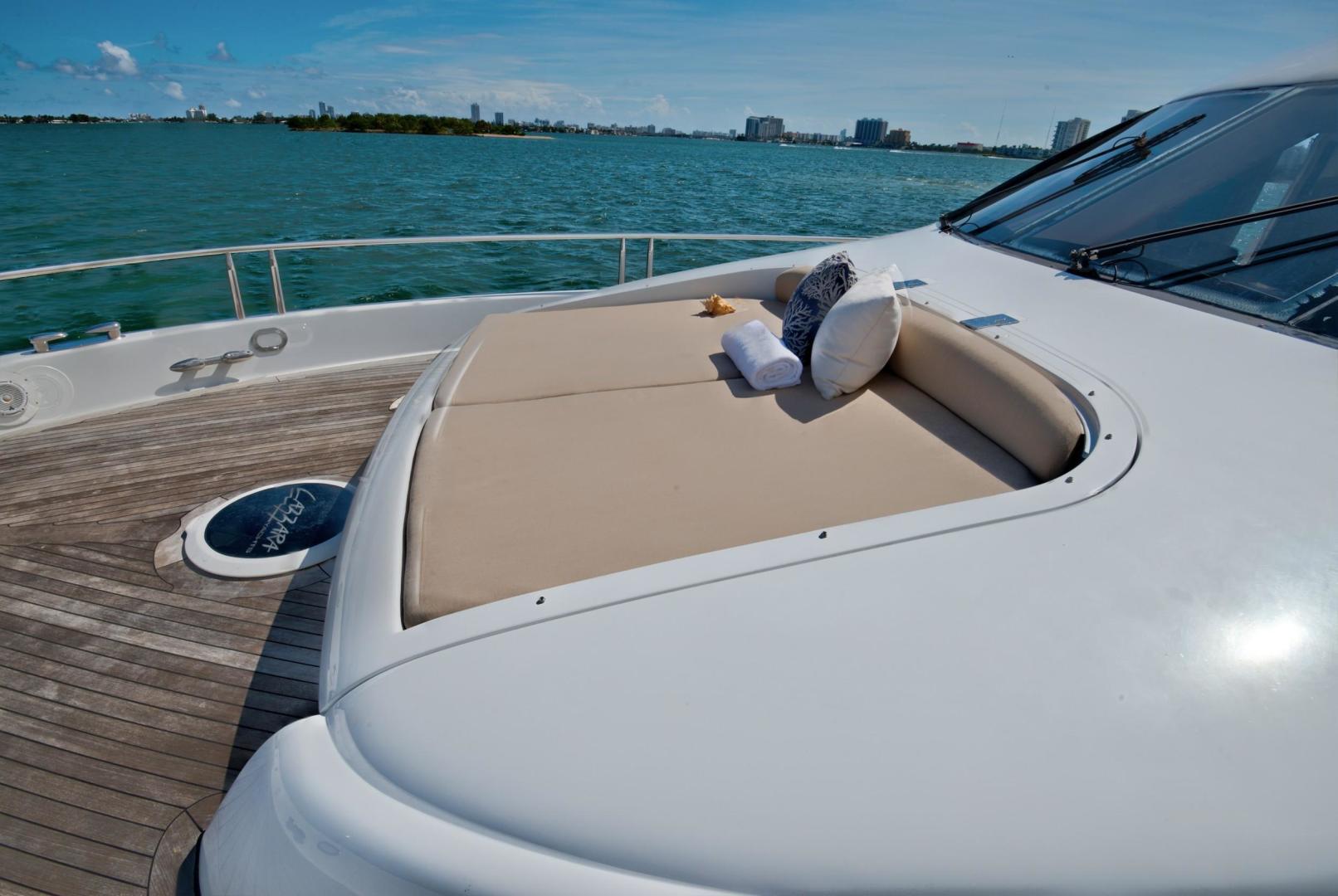 Lazzara-Open Bridge Hard Top 2007-CHIP Miami-Florida-United States-84 Lazzara Sunpad/Bow-1324605 | Thumbnail