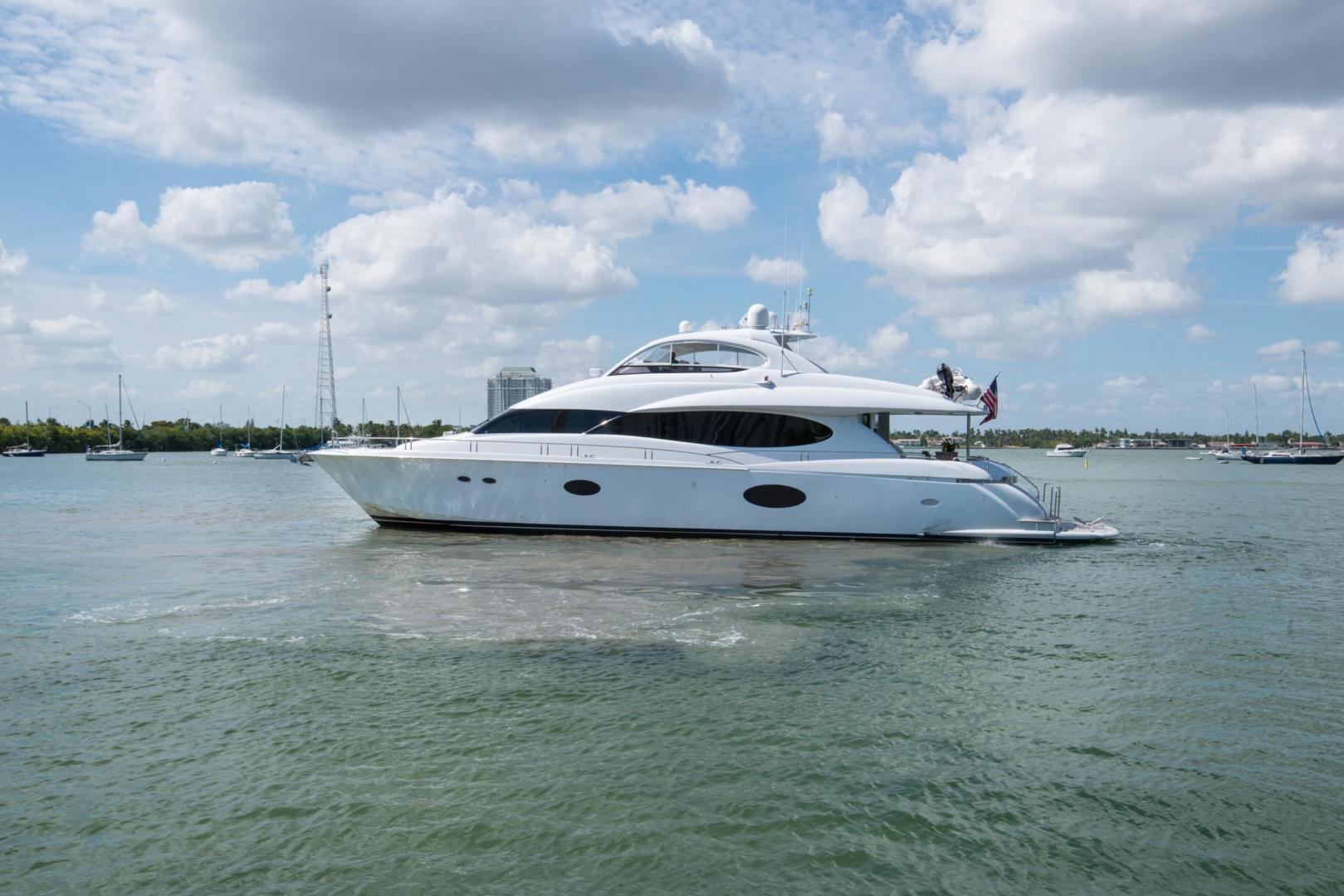 Lazzara-Open Bridge Hard Top 2007-CHIP Miami-Florida-United States-84 Lazzara-1324540 | Thumbnail