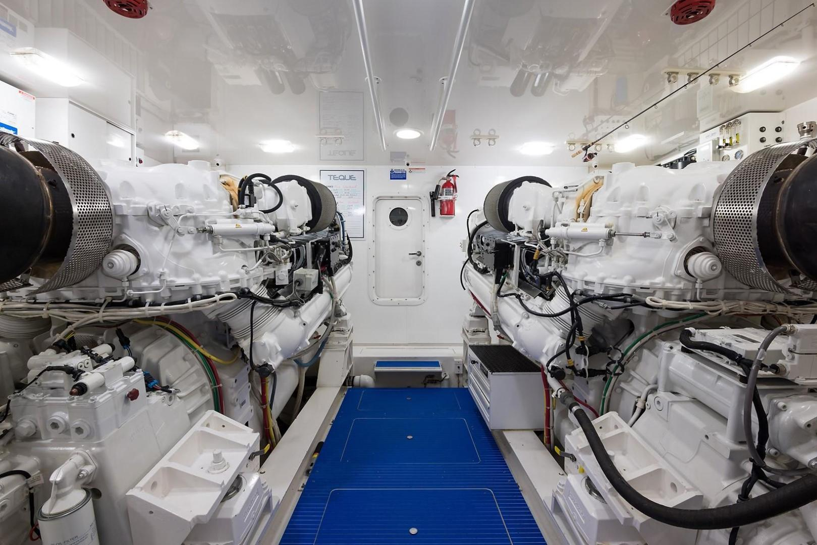 Viking-Enclosed 2013-No Name 82 Miami-Florida-United States-Engine Room-1324730 | Thumbnail