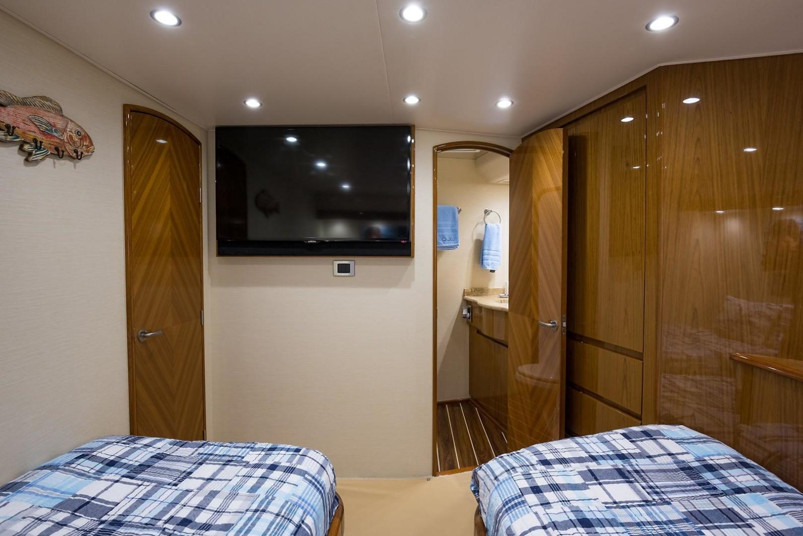 Viking-Enclosed 2013-No Name 82 Miami-Florida-United States-Starboard Guest Stateroom-1324691 | Thumbnail